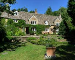 Luxury Cottage Rental by Jigsaw Holidays Cotswolds Presents Top Cottage Available For