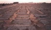حاجة القبور لنا. images?q=tbn:ANd9GcT