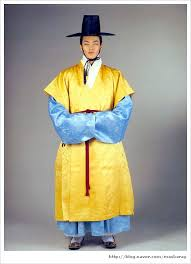 korean haristyle and hanbok Images?q=tbn:ANd9GcTs7k66OPDbp03fQP6cvLXD0qf4xuGsE_qpe9cuzKkgaTP7W_sP
