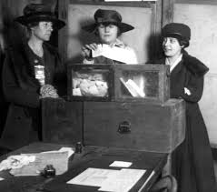 Suffragettes Vote, New York 1917 (thanks to joshiejuice.com).