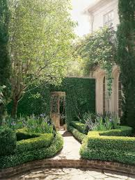 Veranda Plan De Campagne Entrance Pathways Garden Entry United By Square And Rounded Forms