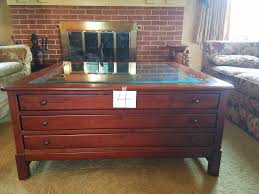 Display Coffee Table Puget Sound Estate Auctions Lot 4 Nice Lexington
