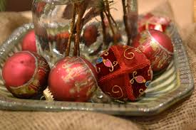 breathtaking red christmas table centerpiece with chic red candy