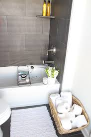 Pictures Of Small Bathrooms With Tile Best 25 Bathtub Tile Surround Ideas On Pinterest Bathtub