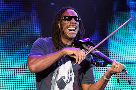 Violinist Boyd Tinsley of the