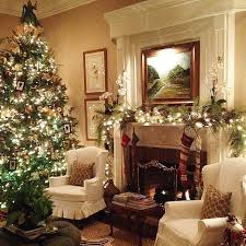 Homes With Christmas Decorations by Best 20 Christmas Fireplace Decorations Ideas On Pinterest