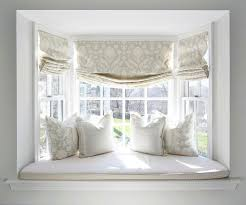Windows Treatment Ideas For Living Room by Best 25 Bay Window Decor Ideas On Pinterest Bay Windows Bay