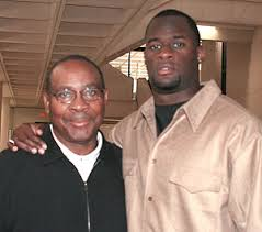 Madison High\u0026#39;s Ray Seals Honored By NFL, As Vince Young Finally ... - SealsVince300