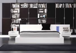 modern white lacquer bed