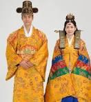 Nunta Traditionala in Coreea Images?q=tbn:ANd9GcTzkbQOT_oQV_4n7e6JpDNR7-gcC4LilIktrdCrEDYmdmQ9ZeucilfKomRN