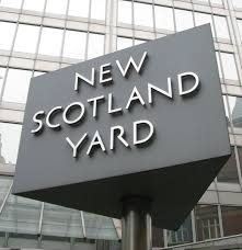 File:New Scotland Yard sign 3.