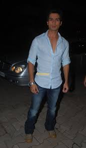 Full size View Shahid Kapoor