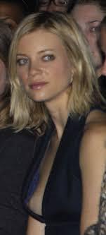 Amy Smart 3