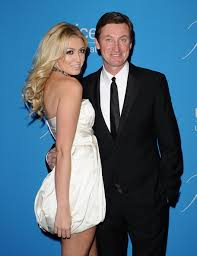 Paulina Gretzky Pictures and