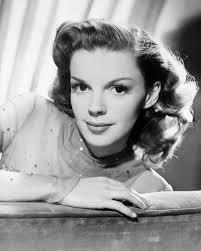 Anne Hathaway,Judy Garland