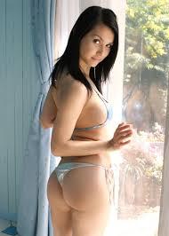 Koleksi Foto Maria Ozawa (Miyabi) Memakai Bikini