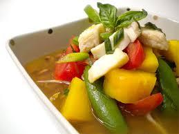 Zuppa di pesce e papaya