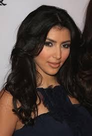 """""""""""أســرار الجمــال لــدى الايـرانيـــات - Kim Kardashian kim-kardashian-pr.0."""