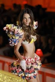 VS Fashion Show 2011)