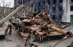 المواجهة بين t-90 و الابرامز Chechnya_zdeshnie_25