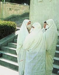 الحايك والعجار لباس من التراث الجزائري  Hayek_oujda1