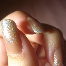 http://t3.gstatic.com/images?q=tbn:jI9fKxRW6FEuoM:http://www.designerzcentral.com/images/living-lifestyle/Nail_Art.jpg&t=1