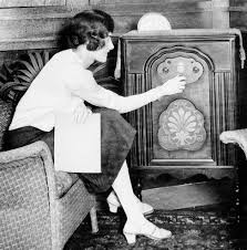 external image 1920s-radio.jpg