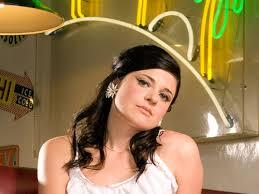 Gemma Ray; bertsio disko batek ez du zertan aspergarria izan (thecoverslovers.blogspot.com)
