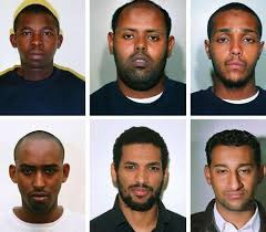 Ilustrace k článku: Britská policie ukázala záběry teroristů před útoky (Rozhlas)