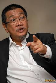 Deddy Mizwar mengatakan, jika UU perfilman tak dipatuhi, film lokal akan ditinggalkan pada 2012