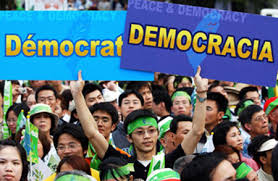 Estatutos, TC y democracia
