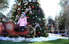 Christmas Tree Amazonca by It U0027s A Retro Southern California Christmas As Santa U0027s Village