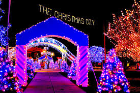 Christmas Tree Shop Avon Ma by 13 Best Christmas Light Displays In Massachusetts 2016