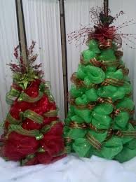 Kinds Of Christmas Trees by Deco Mesh Christmas Trees Cute Idea I Could Use Tomato Cages And