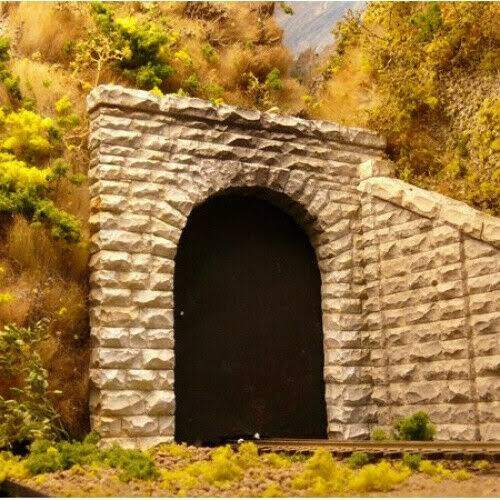 Chooch Enterprises HO Scale Single Cut Stone Tunnel Portal