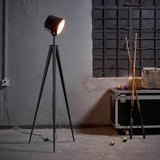 Photographers Tripod Floor Lamp by Versanora Artiste 158cm Metal Retro Tripod Studio Floor Lamp
