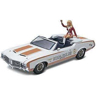 Revell 1972 Oldsmobile 442 Pace Model Car - With Figure