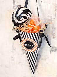 Ideas For Halloween Food Names by 21 Halloween Party Favors And Treat Bag Ideas Hgtv