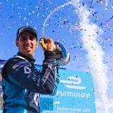ロバート・クビサ, ルノーF1, ルノー, ポール・リカール・サーキット, 2017年のF1世界選手権