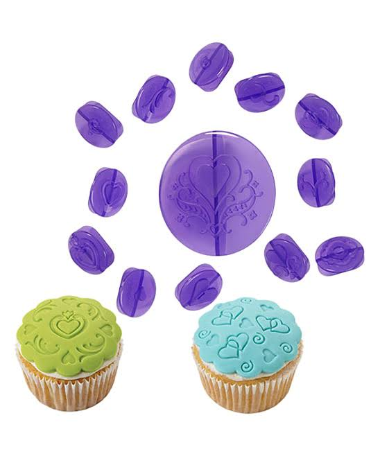 Wilton 14-Piece Cupcake Decorating - Hearts