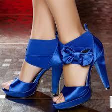جمال اللون الأزرق في الأحذية images?q=tbn:ANd9GcR