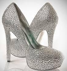 احذية للعروس شيك 2021 , احذية عروس للزفاف 2021 images?q=tbn:ANd9GcR