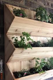 cedar wall planter free diy plans diy wall planters and walls
