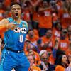 Russell Westbrook jugará con los Rockets a cambio de Chris Paul