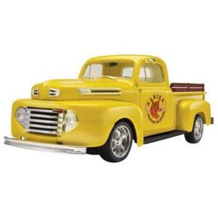 Revell 1/25 1950 Ford F1 Pickup Truck Model Kit