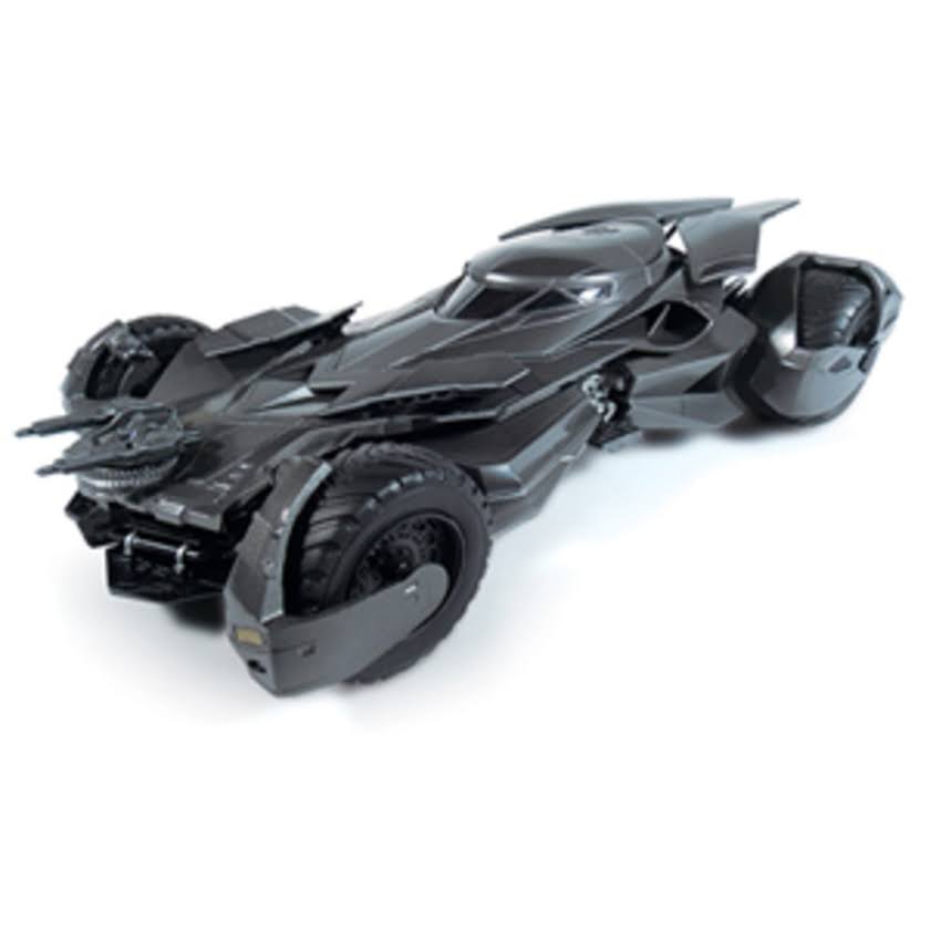 Batman V Superman Batmobile Model Kit - 1:25 Scale