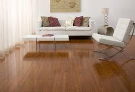 Sàn gỗ Kronoswiss thụy sỹ và sàn gỗ Janmi đều thích hợp cho nội thất hiện đại