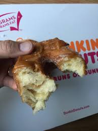 Dunkin Donuts Pumpkin Donut Ingredients by Caramel Apple Croissant Donut Dunkin U0027 Donuts Giveaway