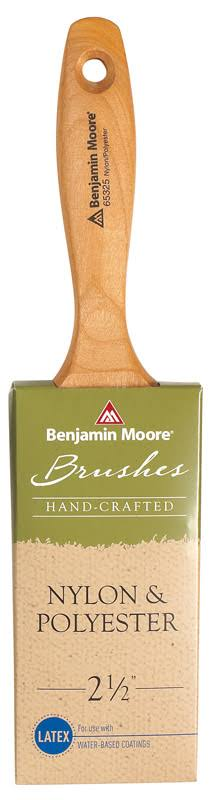 Benjamin Moore Nylon and Polyester Paint Brush - 2-1/2""