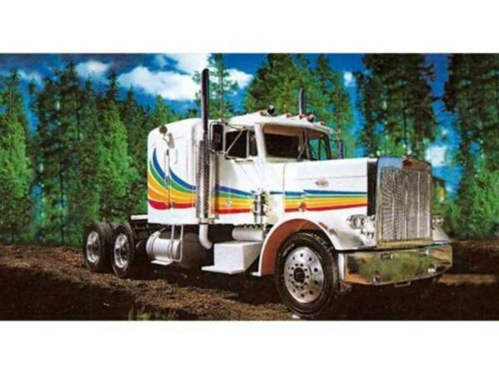 Revell Peterbilt 359 Conventional Plastic Modelkit - 1:16 Scale